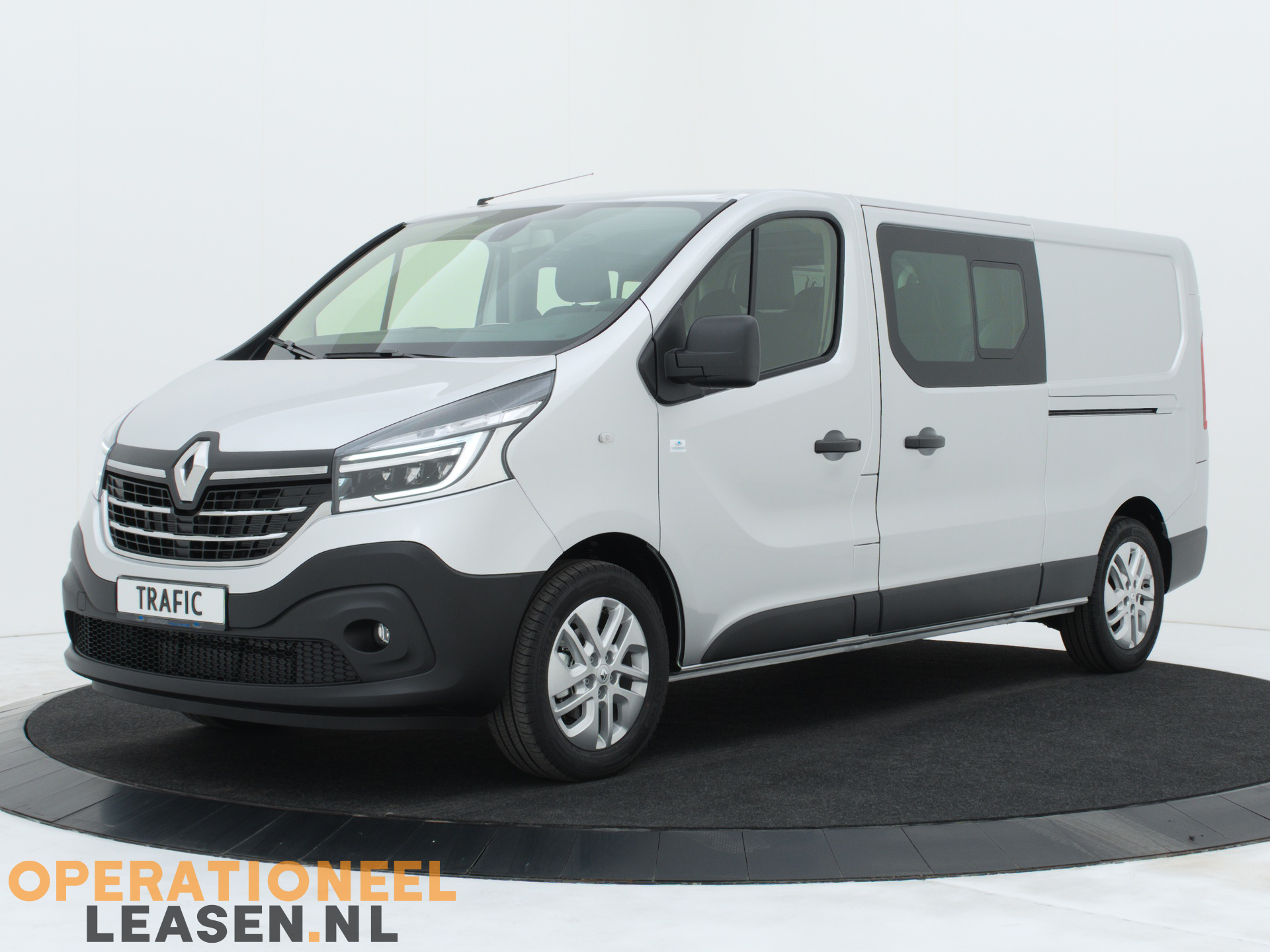 Operational lease Renault master traffic-1