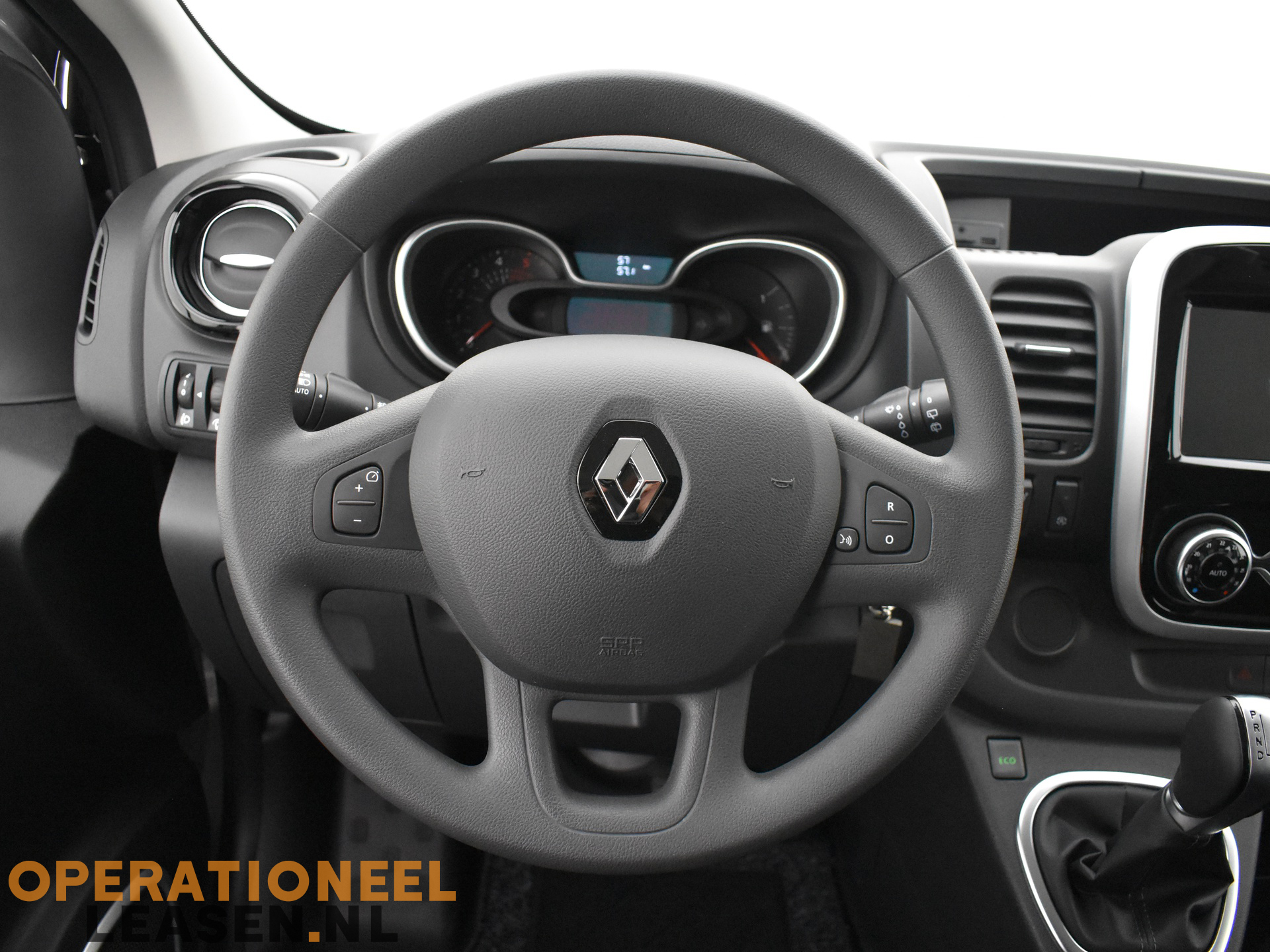 Operational lease Renault master traffic-15