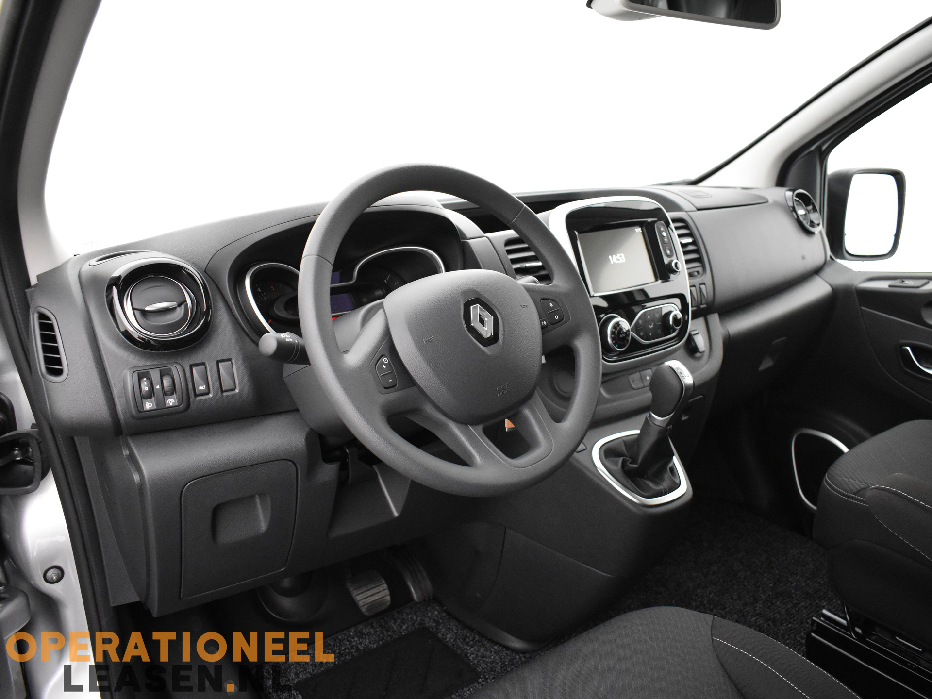 Operational lease Renault master traffic-3