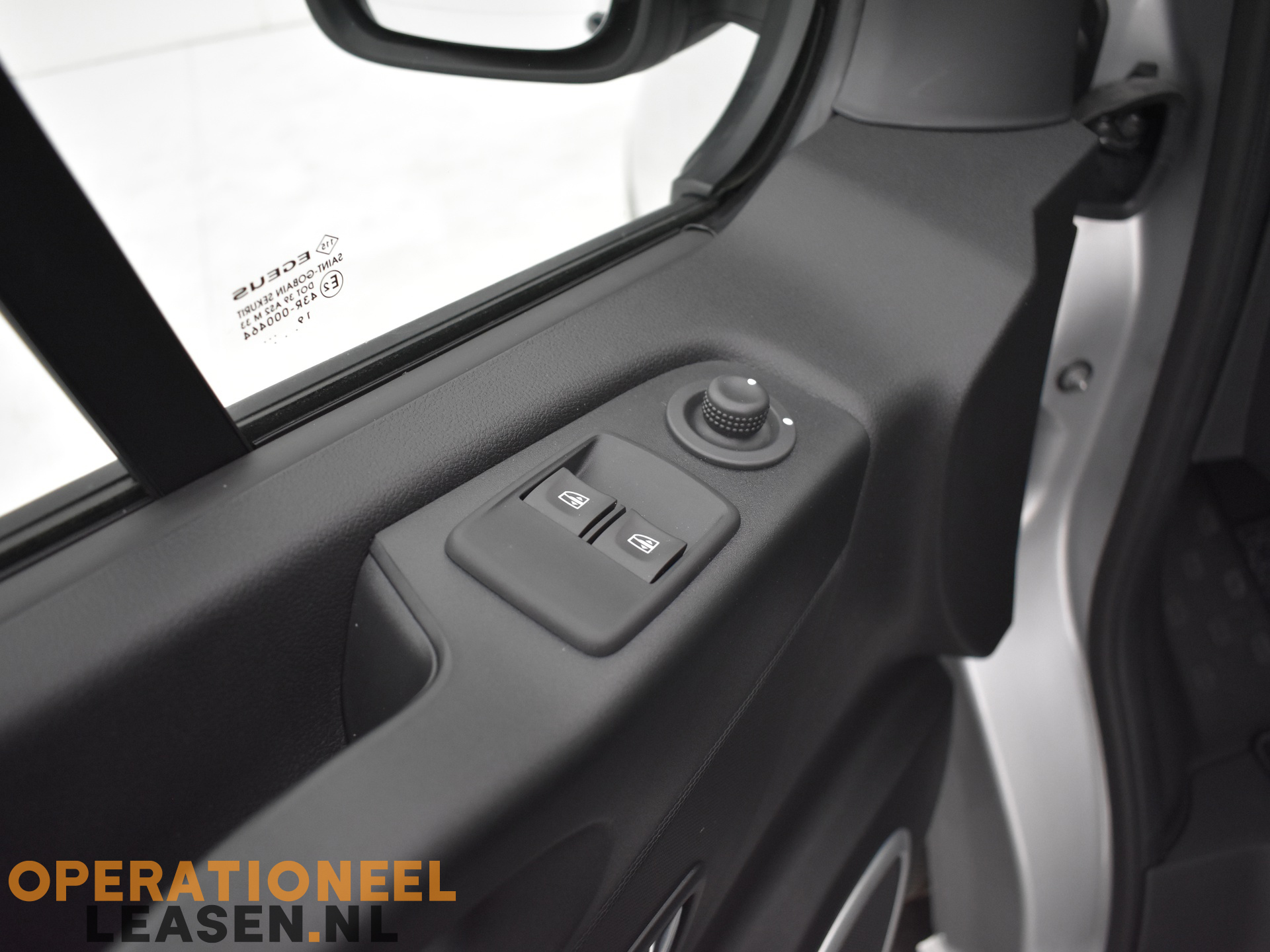 Operational lease Renault master traffic-8