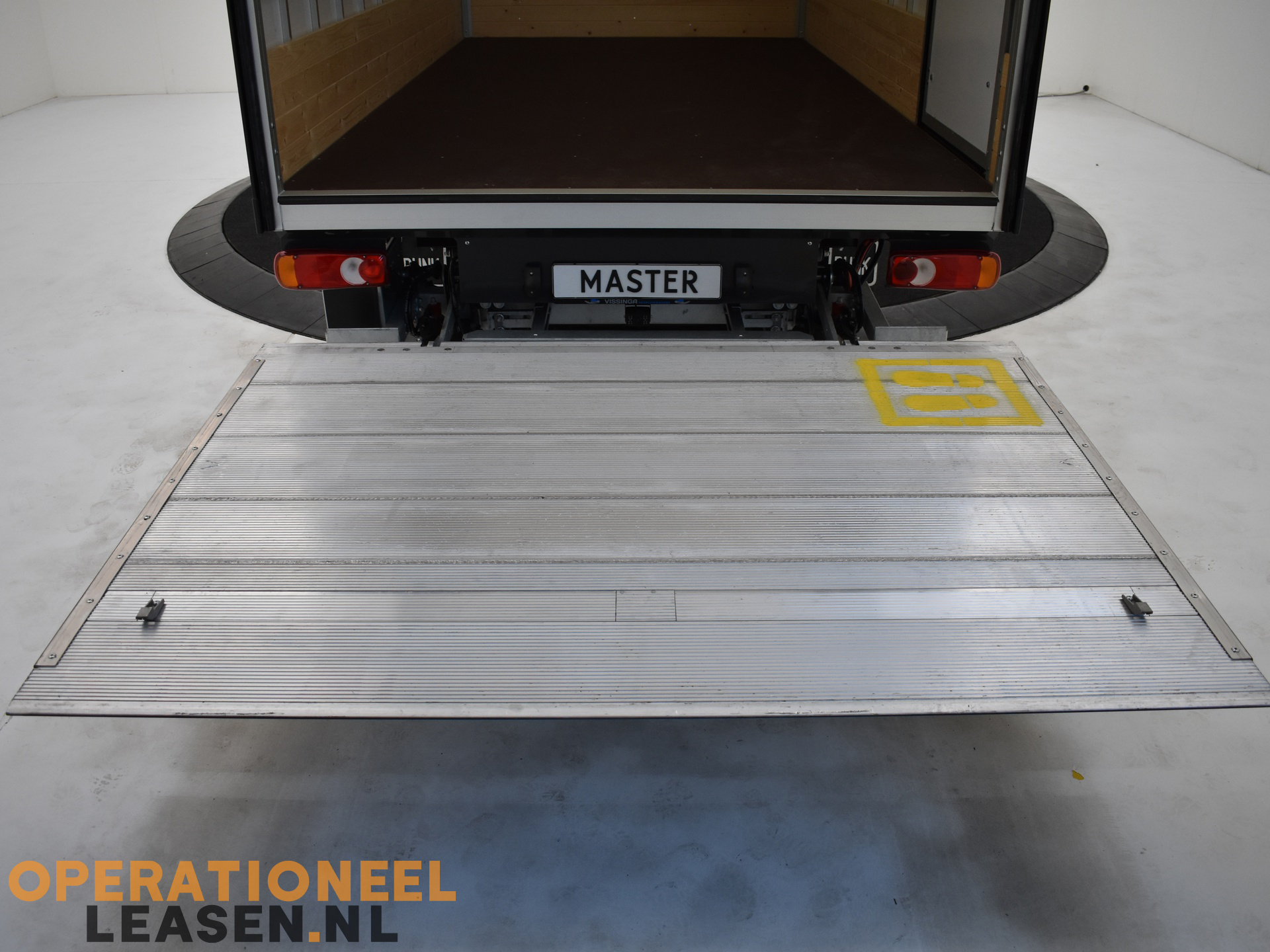 Operational lease zwarte bakwagen-9